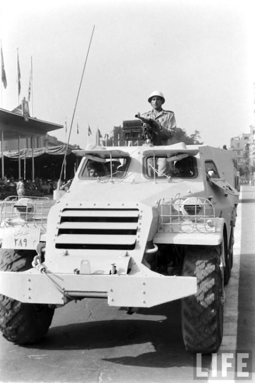 Btr152 desfile militar en el cairo-1957-