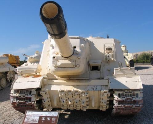 ISU-152-latrun-1