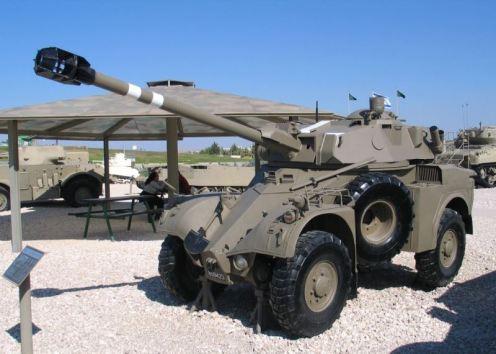 Panhard-AML-90-latrun-2