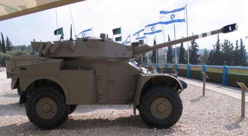 Panhard-AML-90-latrun-3