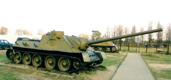 SU-100