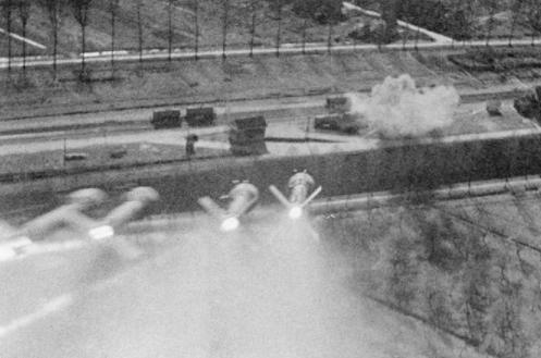 Hawker_Typhoon_showing_salvo_of_rocket_projectiles