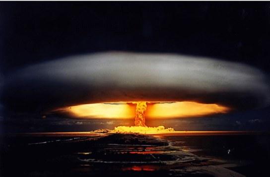 bomba-atomica- atolon Moruroa