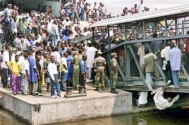CONGO-DRC-REFUGEES-RIVER