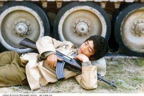 Iran_Iraq_War_Young_Boy_Sleep_Tank