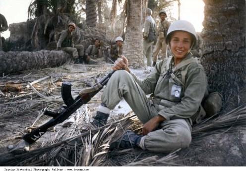 Iran_Iraq_War_Young_Boy_Smile_Khomeini