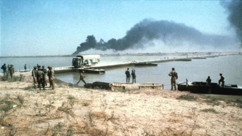 tercera división blindada (dirigido por las fuerzas de Saladino) al cruzar el río Karun en 1981