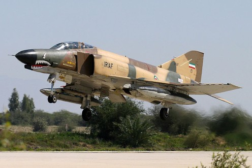 An_IRIAF_F-4E_takeoffs