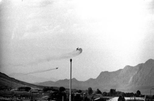 Combate aereo mig iraqui contra un f-4 phantom de iran.fg