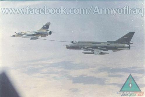 MIRAGE F1 alimentando a un SU-22 fr