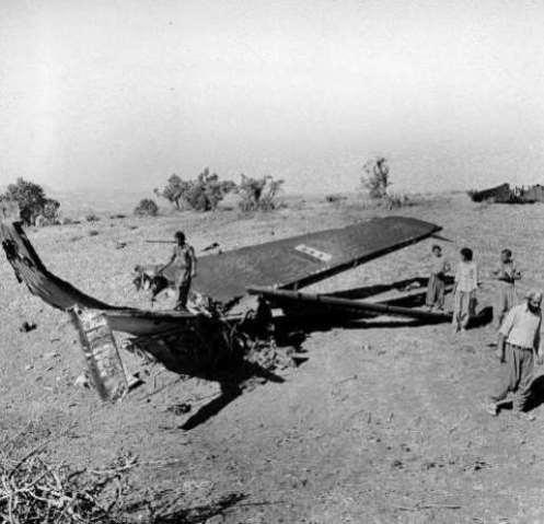 raqi warplane (maybe TU-16) downed by IRIAF PHANTOMS in Islam state (western Iran) 21sep1980