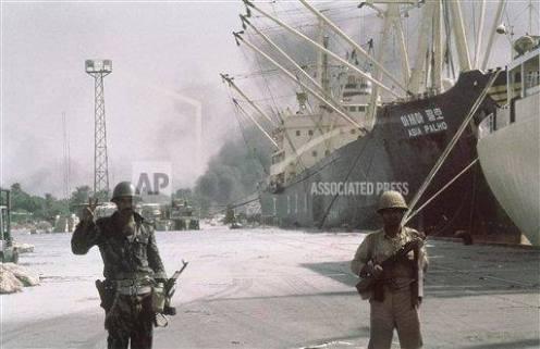 combatientes del ejército iraquí en el puerto de Khorramshahr,  - copia