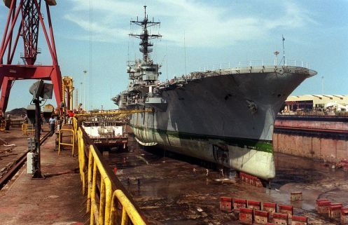 1200px-USS-Tripoli-mined(1)