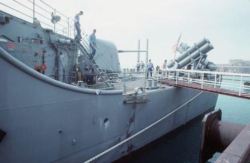 USS_Princeton_(CG-59)_mine_damage