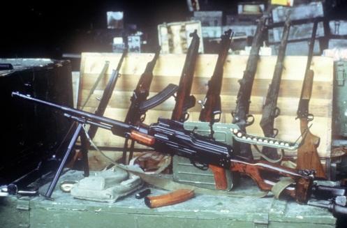 armas confiscadas -invasión de Granada 1983l