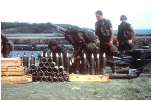 invasión de Granada 1983-obús M102 d