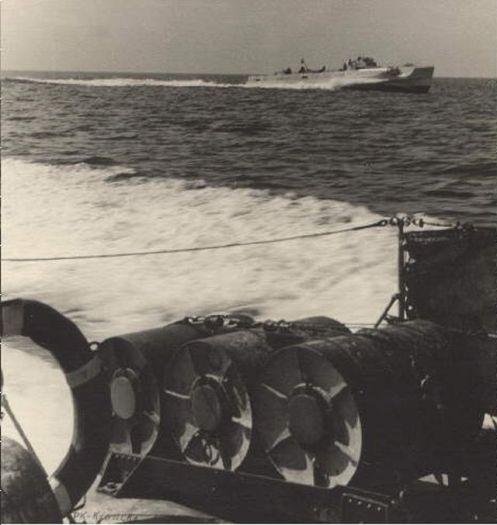 Cargas de profundidad-Wasserbombe