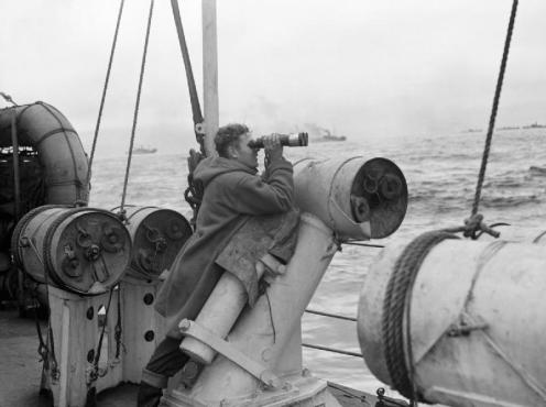 HMS_Viscount_depth_charge_thrower_1942_IWM_A_13362