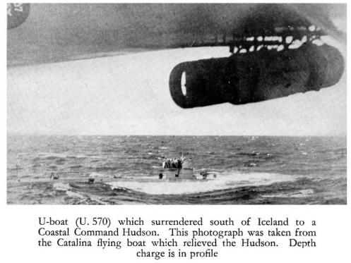 rendición de submarino alemán.-segunda guerra mundial-bomba de profundidad