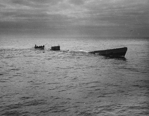 rescate de los ultimos sobrevivientes del U-175_1943-04-17_2