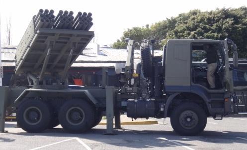 lanzacohetes múltiple CP- 30 (24)