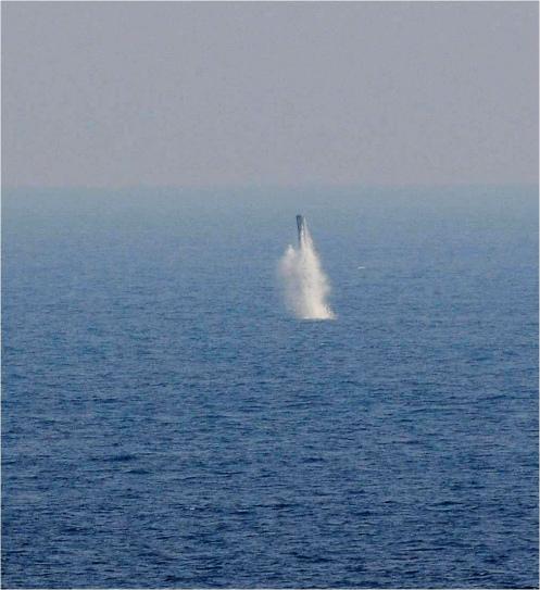 primer-lanzamiento-brahmos-bajo-el-agua-2